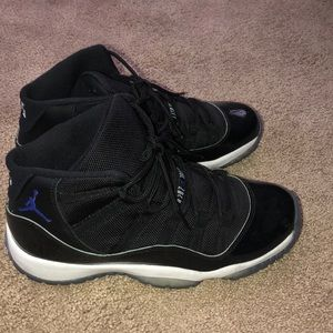 Black Jordan 11 space jams
